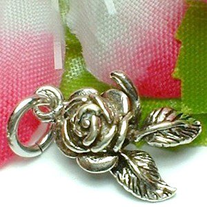 925 STERLING SILVER ROSE WITH PETALS CHARM / PENDANT