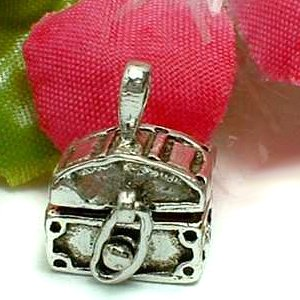 925 STERLING SILVER TREASURE CHEST PRAYER / PILL BOX PENDANT