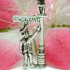 925 STERLING SILVER MAN IN NEW ORLEANS BOURBON STREET CHARM / PENDANT