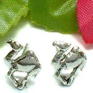 925 STERLING SILVER CAMEL STUD EARRINGS