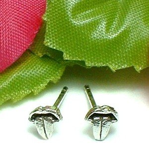 925 STERLING SILVER ROLLING STONES TONGUE STUD EARRINGS
