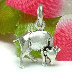 925 STERLING SILVER GRAZING COW CHARM / PENDANT