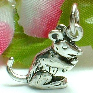 925 STERLING SILVER RAT MUNCHING CHARM / PENDANT