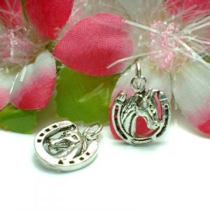 STERLING SILVER HORSE AND HORSESHOE CHARM / PENDANT (#US-AN26)