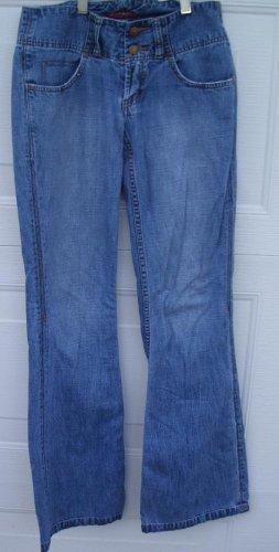 "BKE Diva Jeans SIZE 27""x35.5"" X-Long"