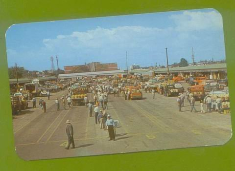 POSTCARD * BENTON HARBOR MICHIGAN '46 FARM FRUIT MARKET