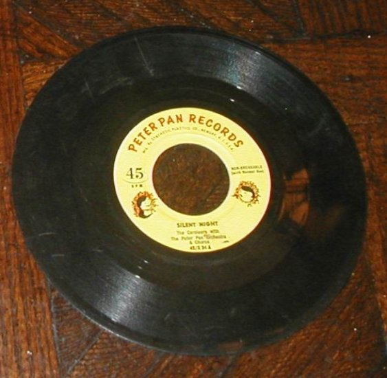 PETER PAN OLD MOTHER HUBBARD RECORD THREE KITTENS