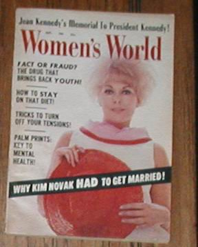 WOMAN'S WORLD SEPTEMBER 1962 KIM NOVAC HAD TO GET MARRIED DIET PALM PRINTS MENTA