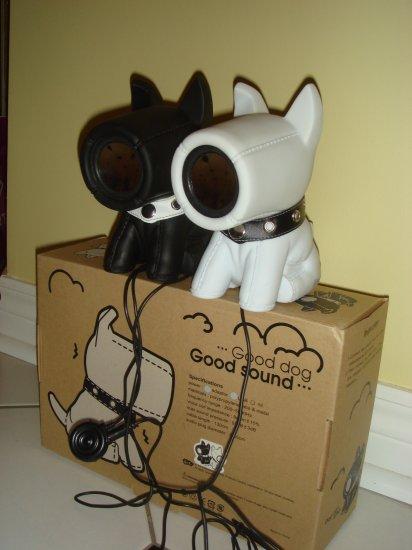 Black/White S. Dog Speakers