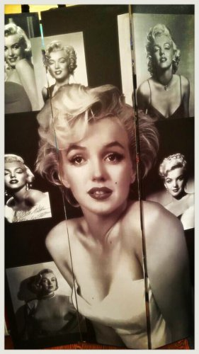 Marilyn Monroe double sided screen $139.99 # F-05-6403
