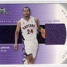 2002-03 UD MVP MATERIALS MORRIS PETERSON RAPTORS SHOOTING SHIRT CARD