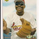 1993 UPPER DECK DMITRI YOUNG ROOKIE CARD