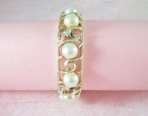 Vintage BSK Signed Faux Pearl Bracelet Gold Tone Links