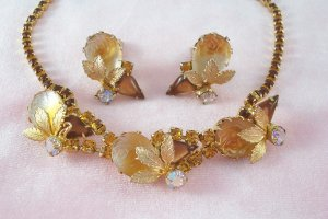 Vintage Topaz Carved Rose Rhinestone Necklace Earring Demi Set