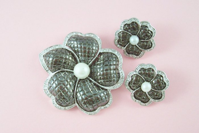 Rhinestone And Simulated Pearl Floral Brooch Demi Set Poured Glass Petals