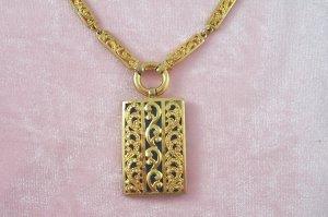 Vintage Filigree Link Necklace Green Acrylic Back Pendant Flashy Retro