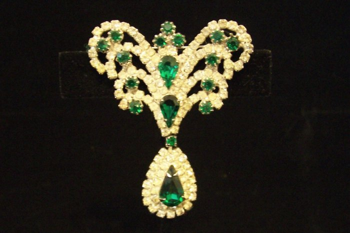 Vintage Emerald Green Rhinestone Dangle Brooch Regal Design