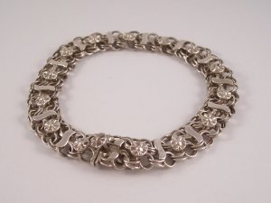 Vintage Mexico Sterling Silver Circle Linked Bracelet Raised Floral Design