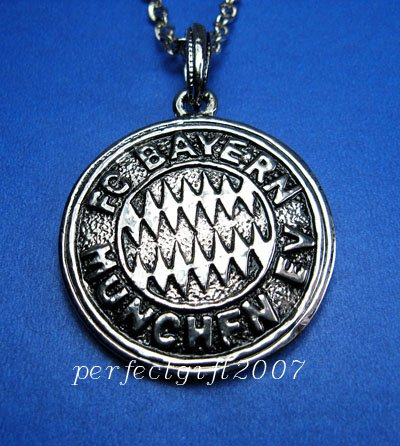 Bayern Munich Football FC Club Sports Unique Metal Necklace Pendant Free Chain
