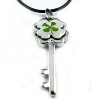 Real Four 4 Leaf Clover Necklace Pendant Flower Key