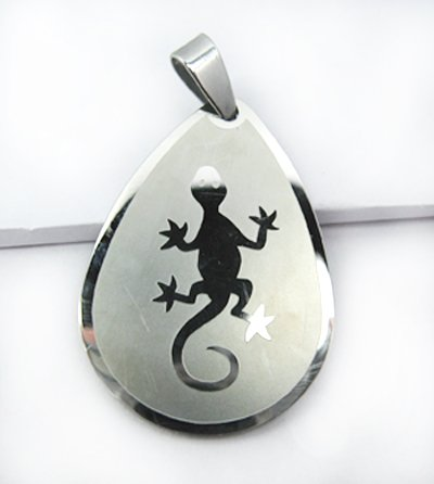 Stainless Steel Peach Shaped Necklace Pendant Gecko