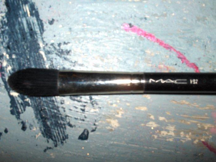MAC #192 Brush Foundation