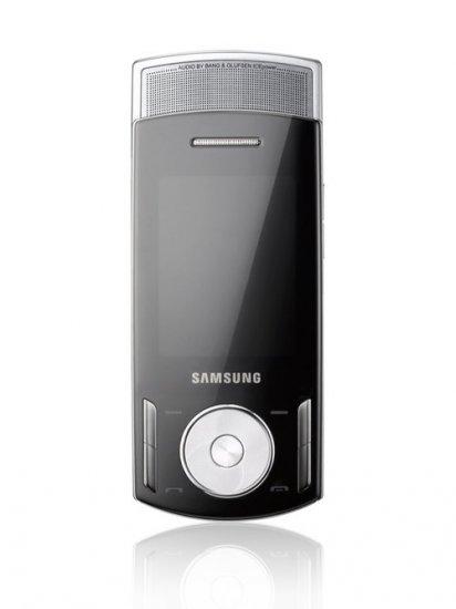 Samsung F400 Triband 3G HSDPA Unlocked Phone (SIM Free) + 1GB Memory Card