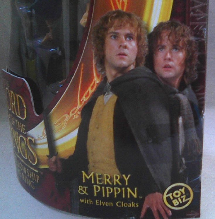 ToyBiz #81138: LotR Fellowship Merry & Pippin-Hobbit 2-Pack-Elven Cloak-2002 Lord of the Rings