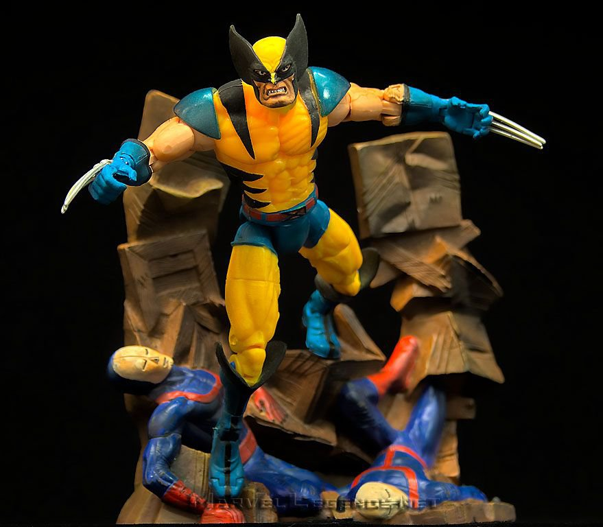 Marvel Legends Wolverine (Classic Tiger Stripe) Series 3 III � Jim Lee X-Men Foil Variant 70156