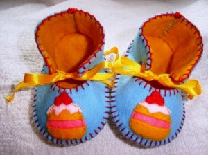 Light Blue & Gold Booties with Cakes, 0-3 months (RM 87)