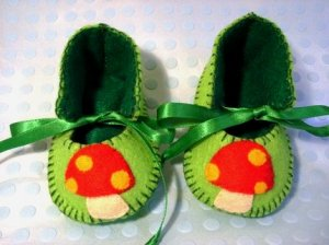 Lime & Dark Green Booties with Mushrooms, 3-6 months (RM 80)
