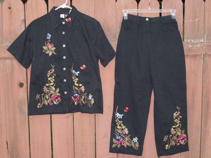 STUDIO WEST Black Embroidered Capri Set - Medium