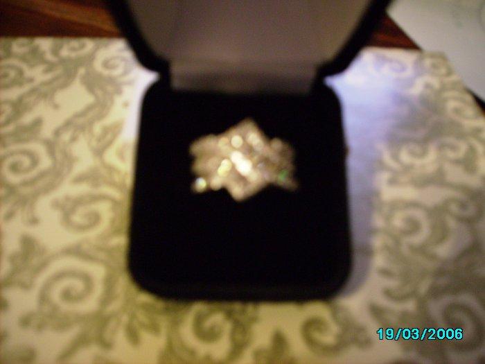 Ladies One Carat Diamond Band Ring