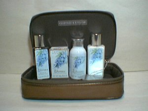 Crabtree & Evelyn Wisteria Traveller Holland Park cosmetic case  GIFT