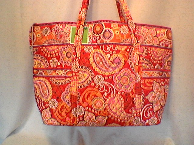 Vera Bradley Super Tote Rasberry Fizz  XL � NWT Retired  beachbag weekend overnight carryall  VHTF