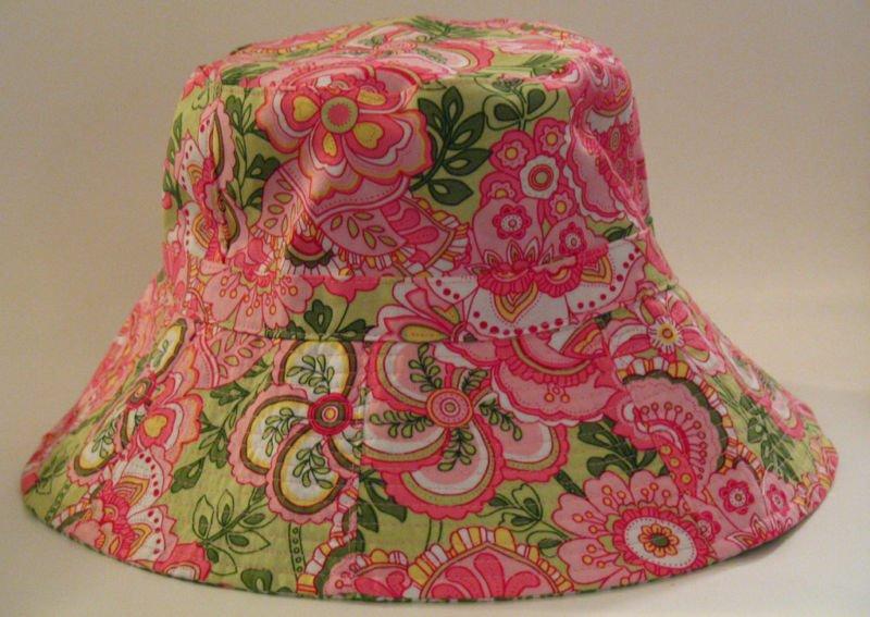 Vera Bradley Sun Hat Petal Pink Crusher Reversible Bucket Hat   Retired FS