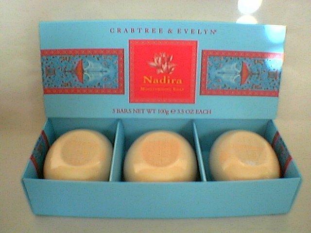 Crabtree Evelyn Bath Soap Nadira FS box/3  3.5 oz   disc � gardenia rose spice