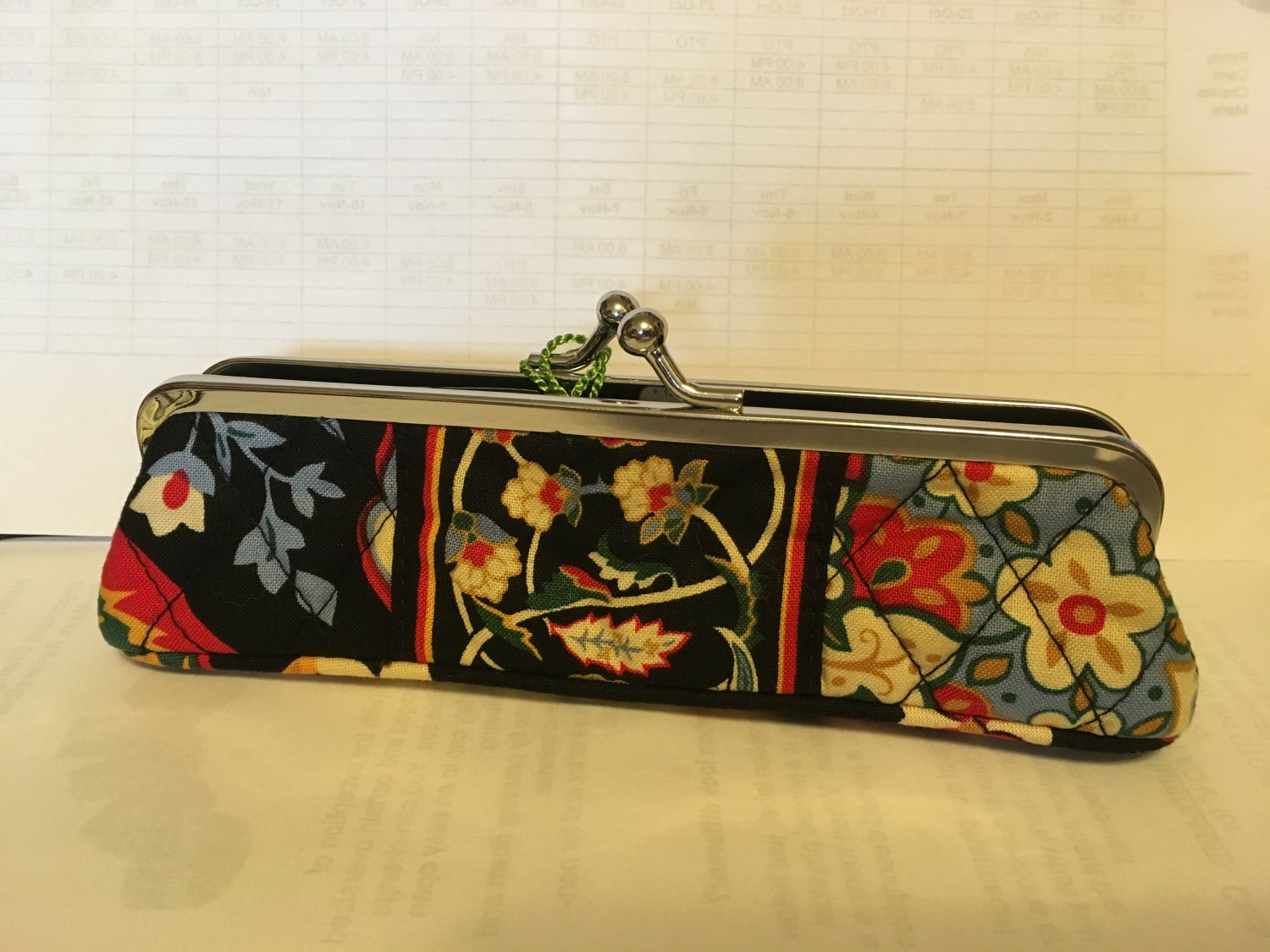 Vera Bradley Slim Case Versailles  kisslock pencil makeup tech holder  NWT Retired