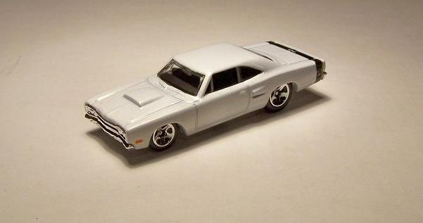HOT WHEELS '69 DODGE CORONET SUPER BEE