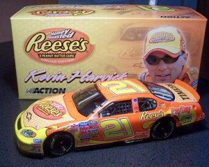 ACTION KEVIN HARVICK '05 MONTE CARLO REESE'S