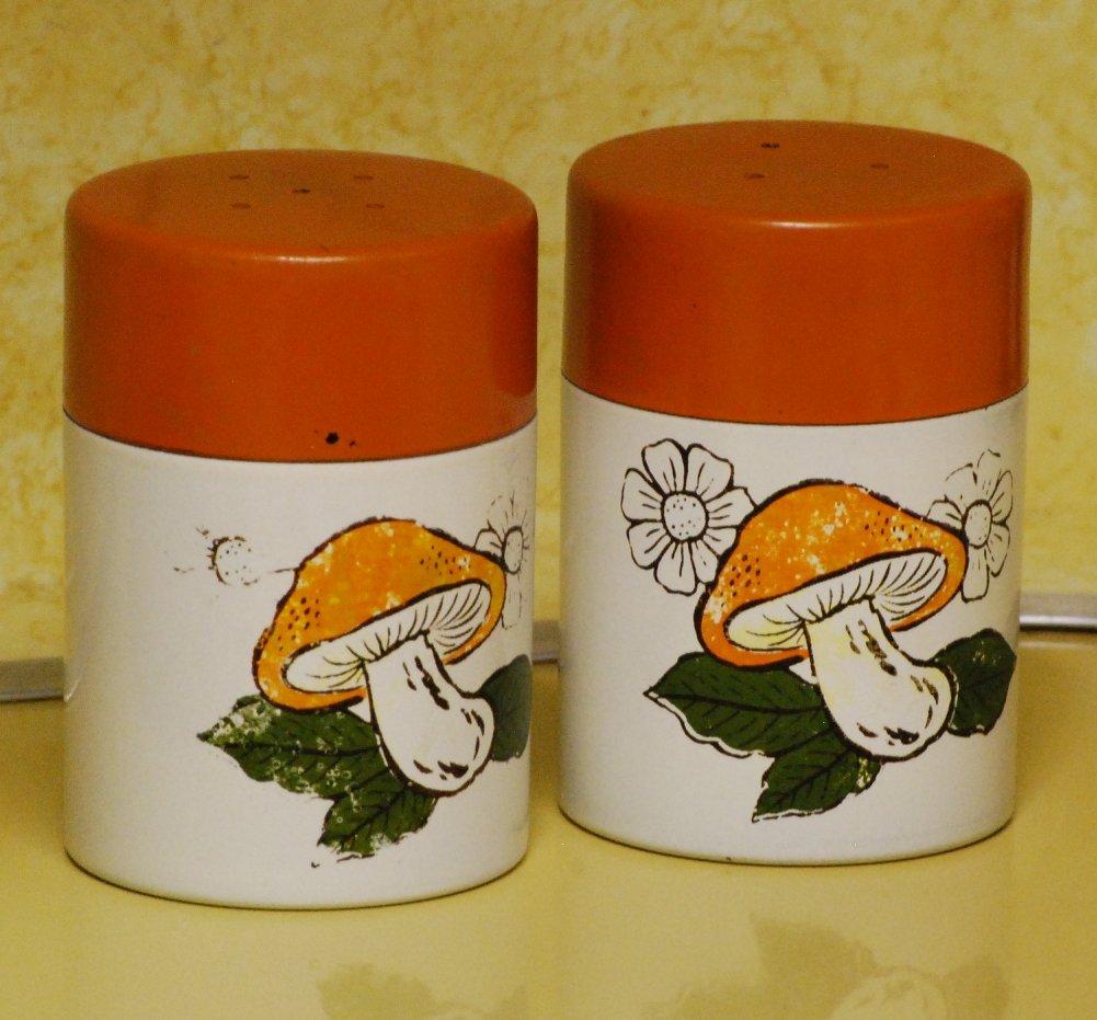 Vintage 70s Salt Pepper Shakers Orange Avocado Mushroom