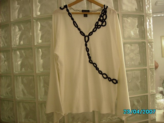 Ladies Patty LaBelle designer knit top