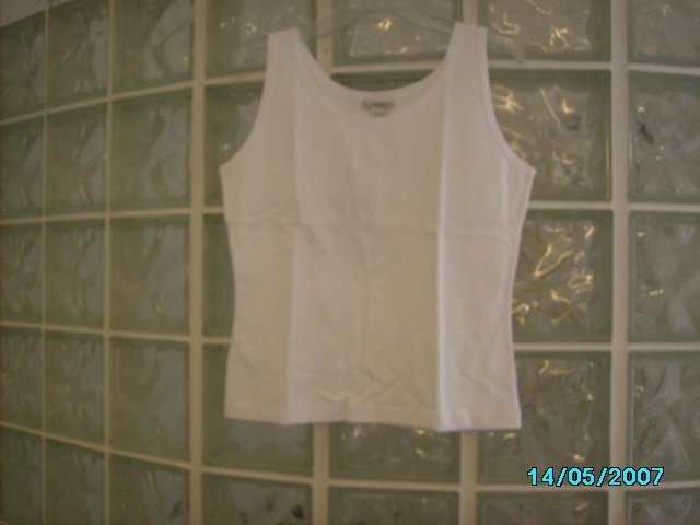 Ladies sleeveless shell