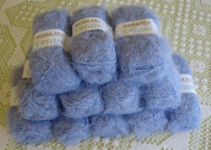"$72 Lot--12 Skeins Moda Dea Dream ""Lavender"" Yarn + Free Gift!"