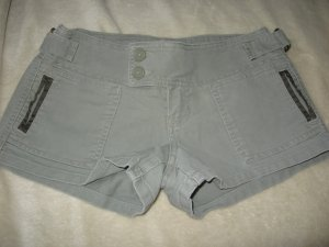 ABERCROMBIE SEXY MILITARY GREEN STRETCH SHORTS 0 GR8