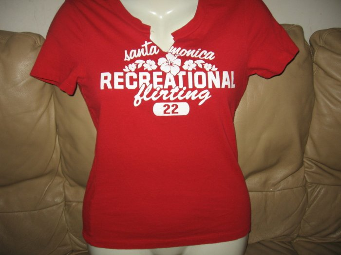 HOLLISTER SEXY RED SKINS VS SHIRTS SLIM FIT T-SHIRT M