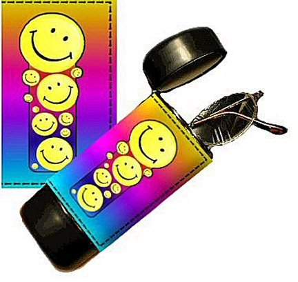 Smile Eyeglass Or Sunglass Case