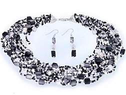 Black & White Glass Necklace Set