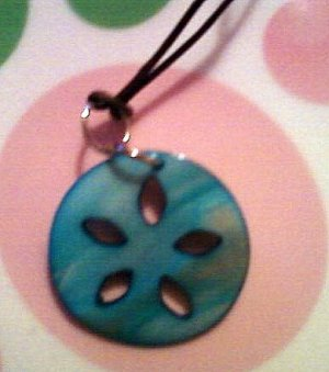 Small Turquoise Mother of Pearl Flower Necklace.