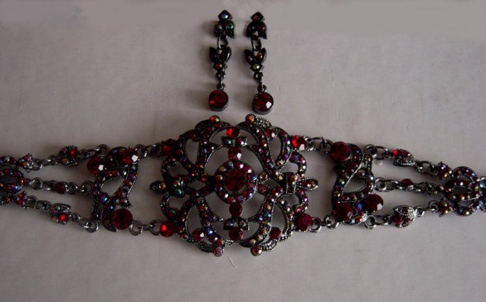 Austrain Crystal Rhinestone Victorian Choker Necklace & Earrings Set Red